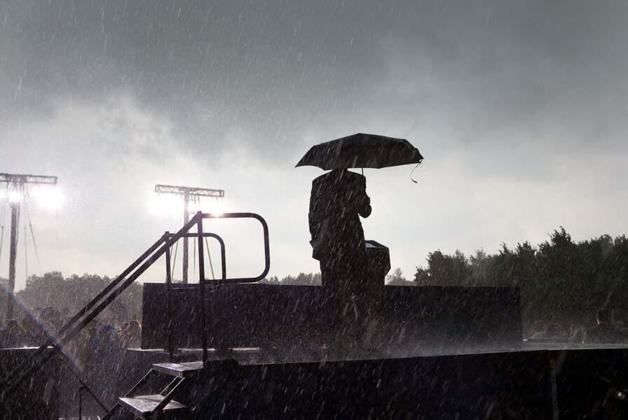 Il pleut à Chicago ? Barack Obama enjoint la foule de rentrer. Classe.