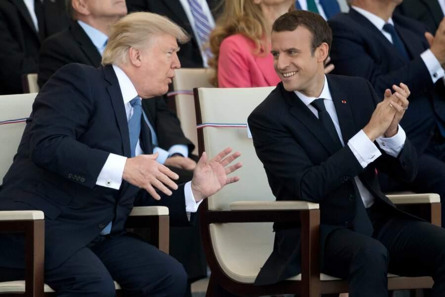 On pourrait s'amuser à imaginer de quoi ils parlent, mais on ne voudrait choquer personne…