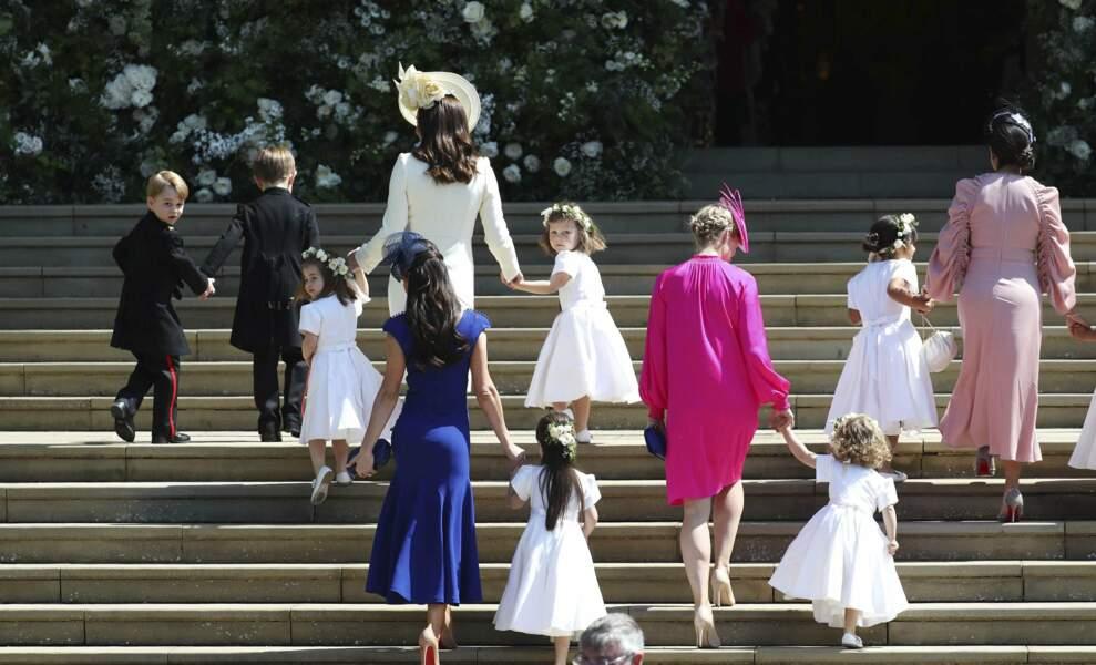 Avec la mariée pour la montée des marches !