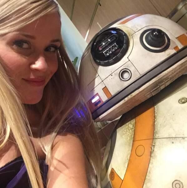 Trop de chance ! Reese Witherspoon a trouvé le plus mignon des robots