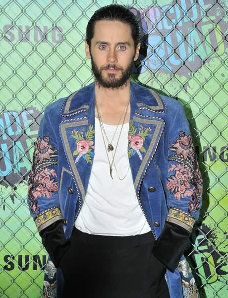 Mais d'ailleurs Jared, c'est quoi cette veste en jean à fleurs ? Pas très JOKER tout ça !