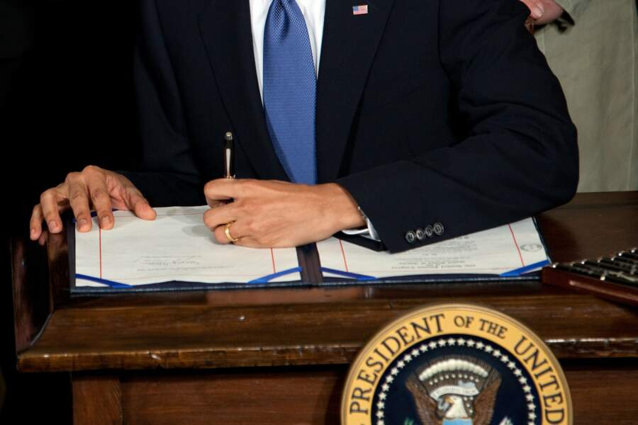 Eh oui ! Barack Obama est gaucher