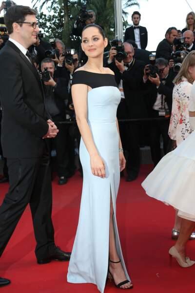 Marion Cotillard lors de la montée des marches pour Le Petit Prince, au 68ème Festival de Cannes