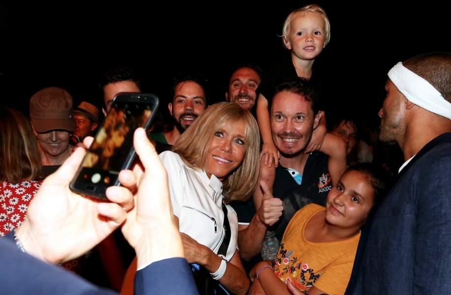 Brigitte Macron a gardé le sourire jusqu'au bout