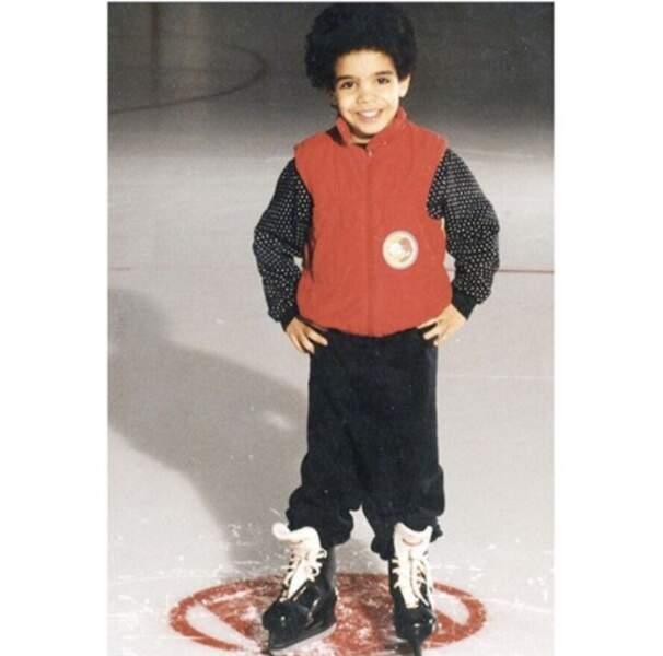 Nous, l'automne nous rend aussi heureux que mini-Drake au patinage artistique.