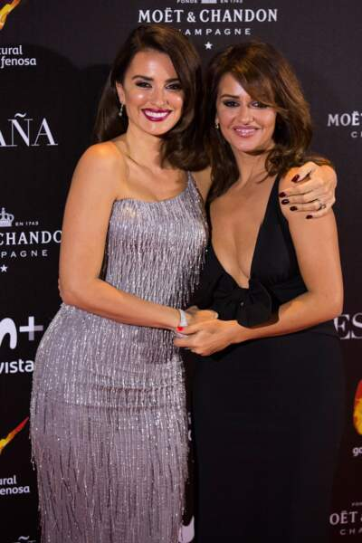 """Penélope et Monica Cruz réunies pour l'Avant-première de """"La Reina de Espana"""""""