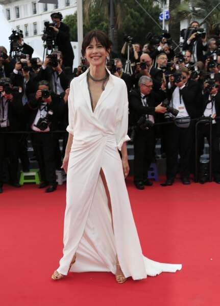 Sophie Marceau, resplendissante, a séduit les photographes lors de ce 68e Festival de Cannes