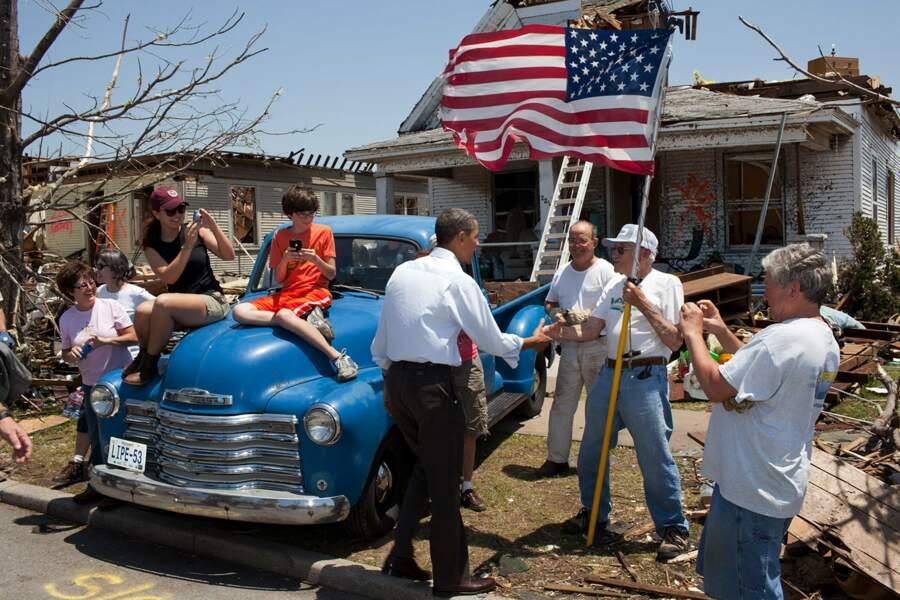 29 mai 2011 : le Président rend visite aux victimes d'un ouragan dans le Missouri
