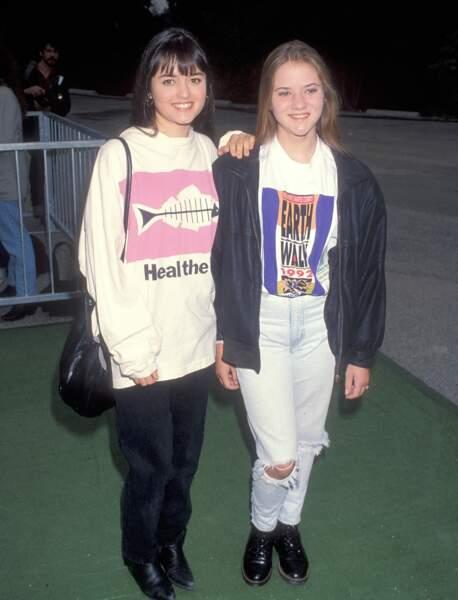 Danica McKellar a une soeur, Crystal, actrice elle aussi. Elle jouait aussi dans Nos années coup de coeur