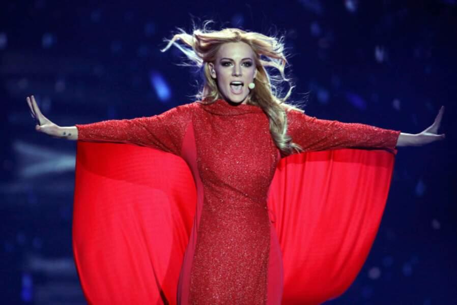 Un petit air de Britney Spears (jeune) pour l'Espagnole Edurne