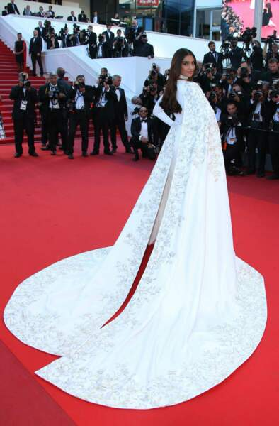 Et l'actrice Sonam Kapoor une superbe robe blanche