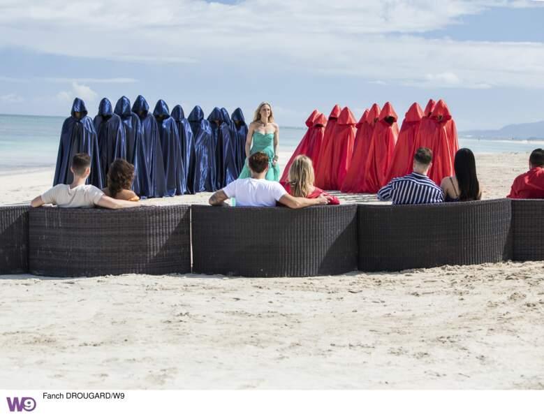 Les 20 célibataires arrivent masqués... Suspense maximum