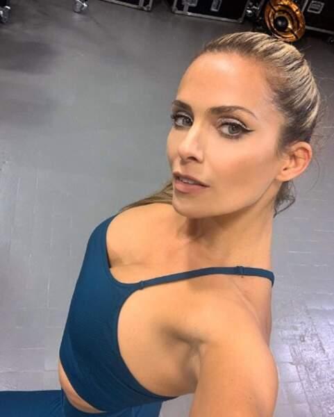 Clara Morgane, au top pour son entraînement de danse.