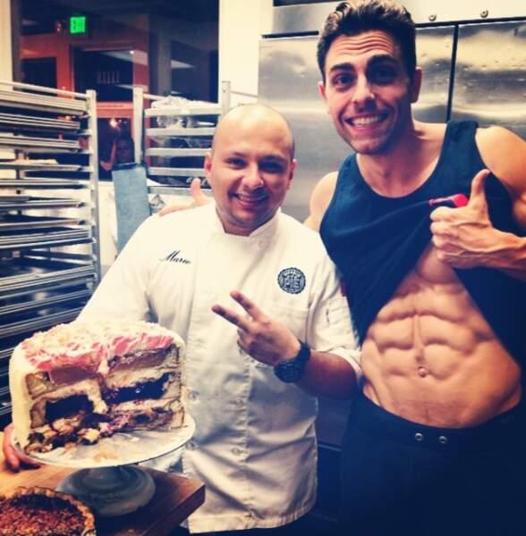Et ça ne l'empêche pas d'apprécier des gâteaux comme ça