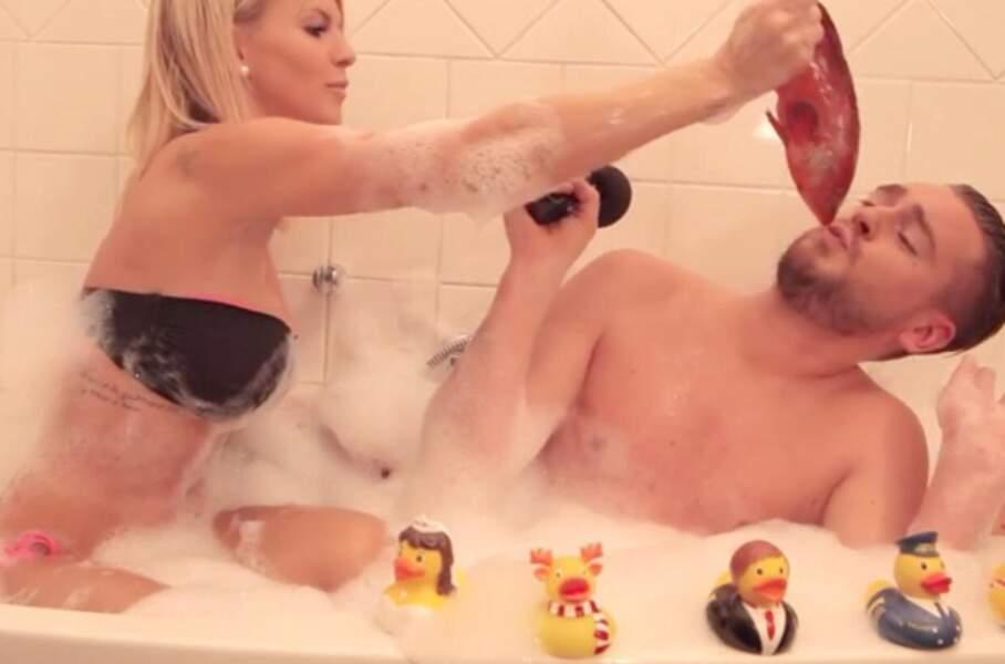 Personnage incontournable de la télé-réalité, donc elle est évidemment passée par la baignoire de Jeremstar.