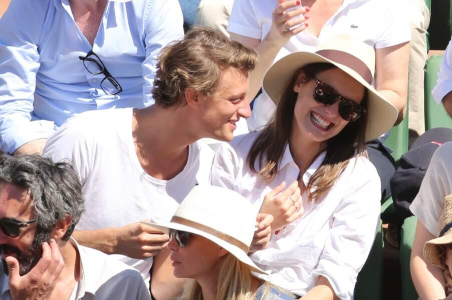 Ana Girardot tout sourire avec son compagnon