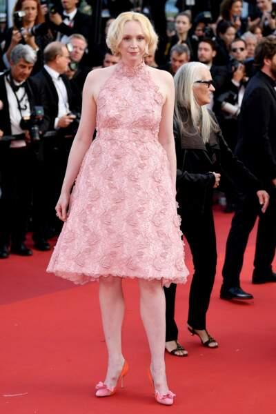 Gwendoline Christie elle aussi voit la vie en rose !