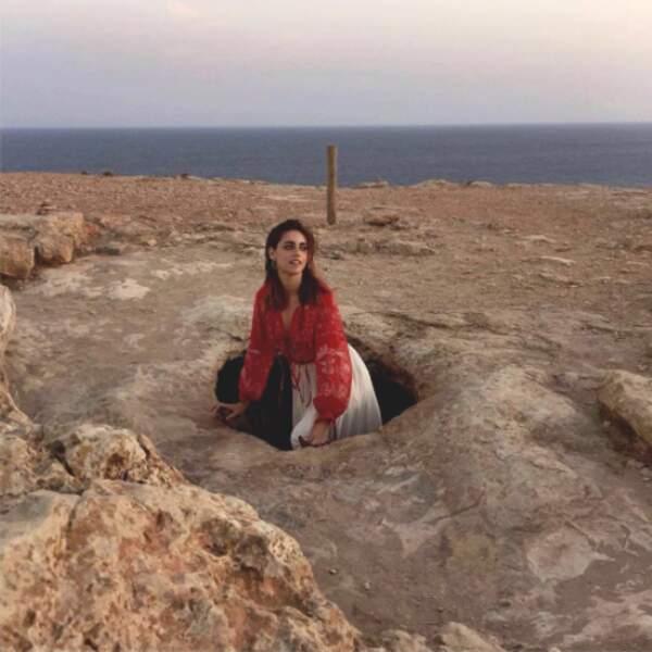 Miriam Leone au temps des cavernes, on dit oui.