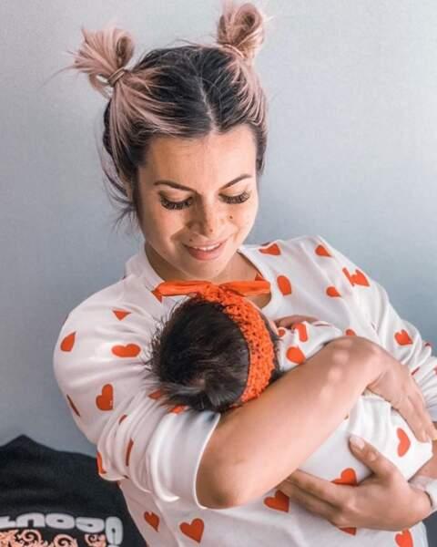 Ruby et maman Carla Moreau déjà habillées pareil !