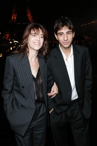 Charlotte Gainsbourg semblait aux anges, aux côtés de son fils