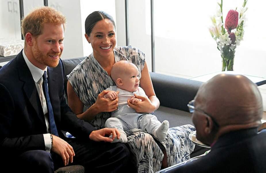 En ce grand moment, Harry reste concentré sur sa conversation avec Mgr Tutu