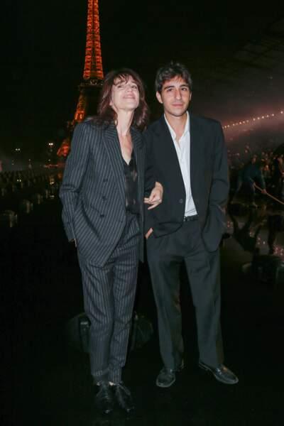 Charlotte Gainsbourg est apparue au bras de son fils Ben Attal
