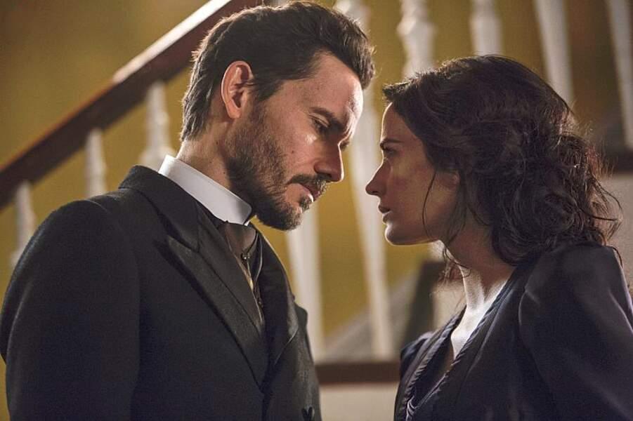 Si elle essaie de résister à la tentation dans Penny Dreadful, Vanessa (Eva Green) succombera tout de même au charme hypnotique de Dracula…