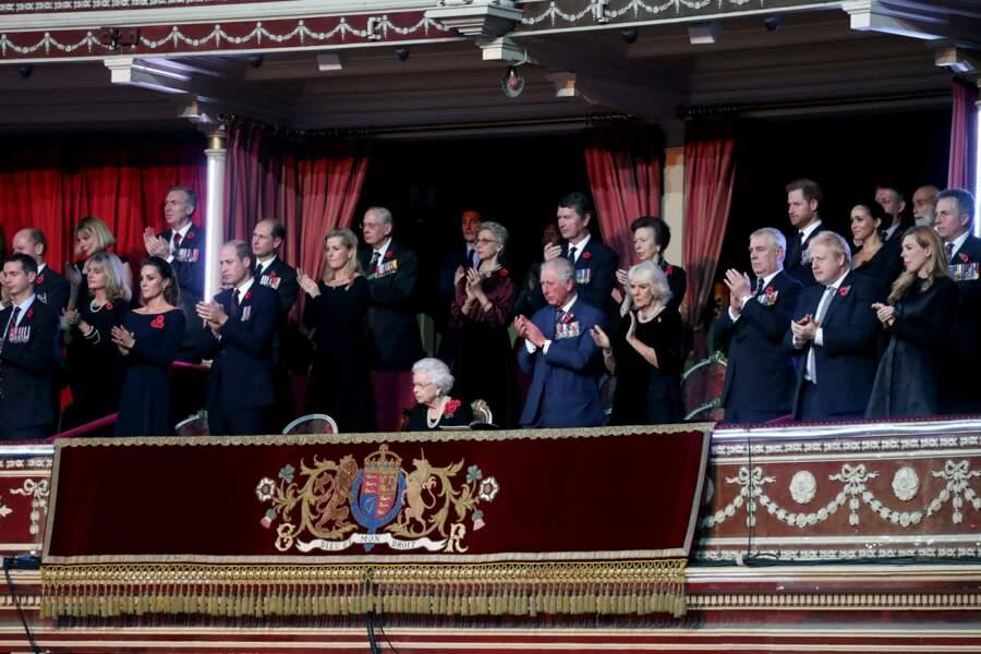 Les membres de la famille royale de la journée souvenir.