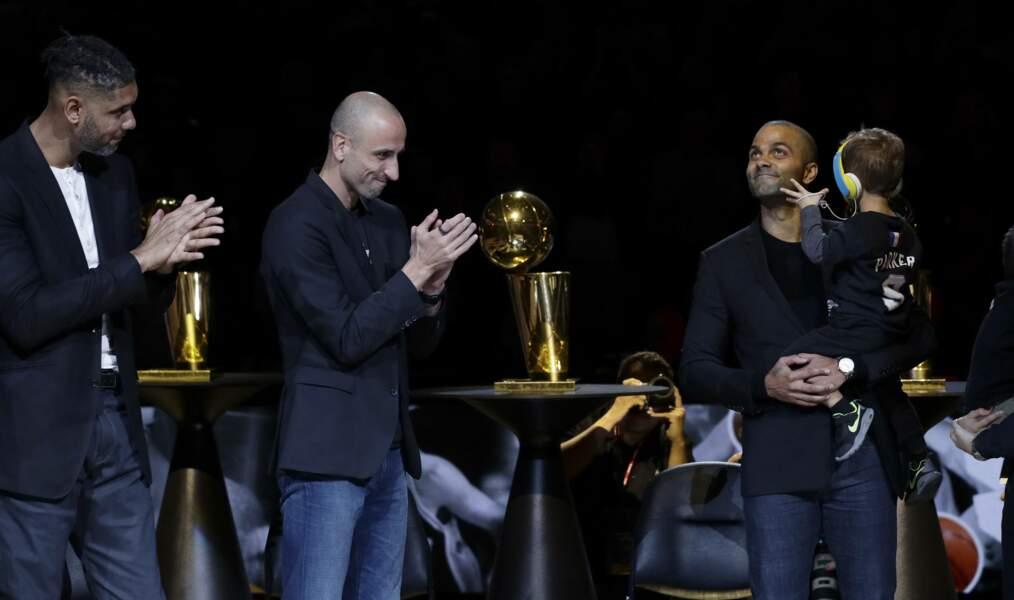 Au AT&T Center, Tim Duncan et Manu Ginobili ont salué la carrière de Tony Parker