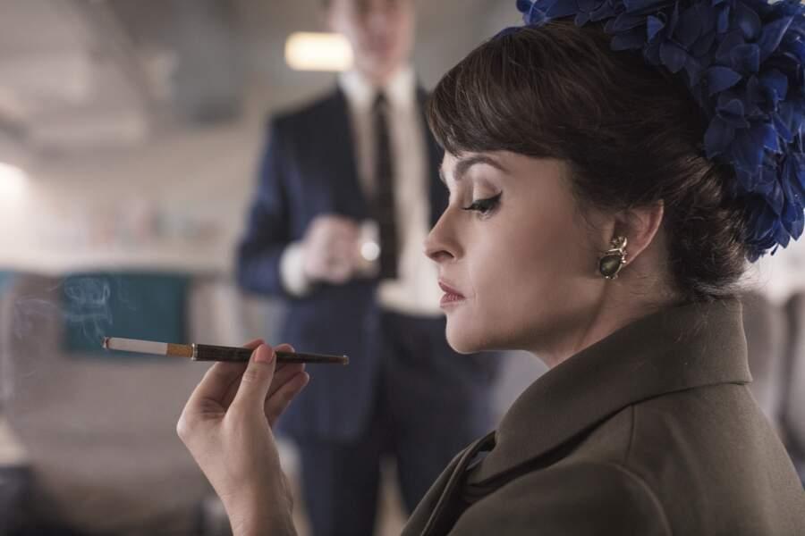 La reine Margaret est désormais jouée par Helena Bonham-Carter avec un grain de folie supplémentaire, dans les saisons 3 et 4