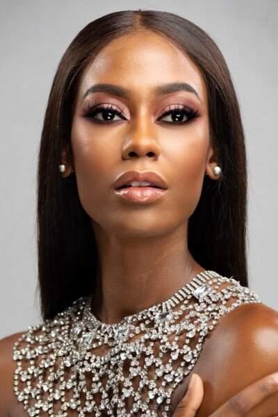 Miss Bahamas : Tarea Sturrup