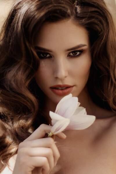 Miss République Slovaque : Laura Longuauerova