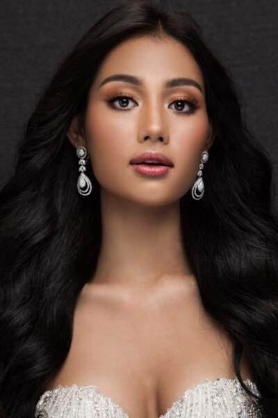 Miss Myanmar : Swe Zin Htet