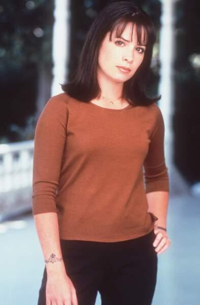 En 1998, elle décroche le rôle de Piper Halliwell dans Charmed
