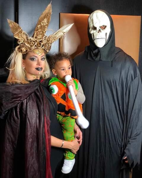 Ils profitent de moments en famille comme lors d'Halloween