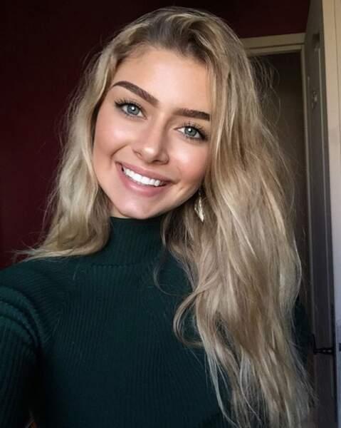 La Miss aime les selfies ! Elle en poste beaucoup sur Instagram