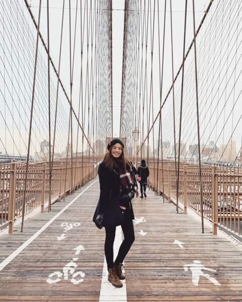 Cette fois-ci, la voyageuse prend la pose à New York
