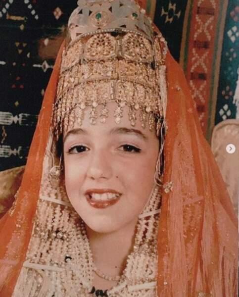 Vous la reconnaissez ? C'est la youtubeuse star Shera Kerienski.