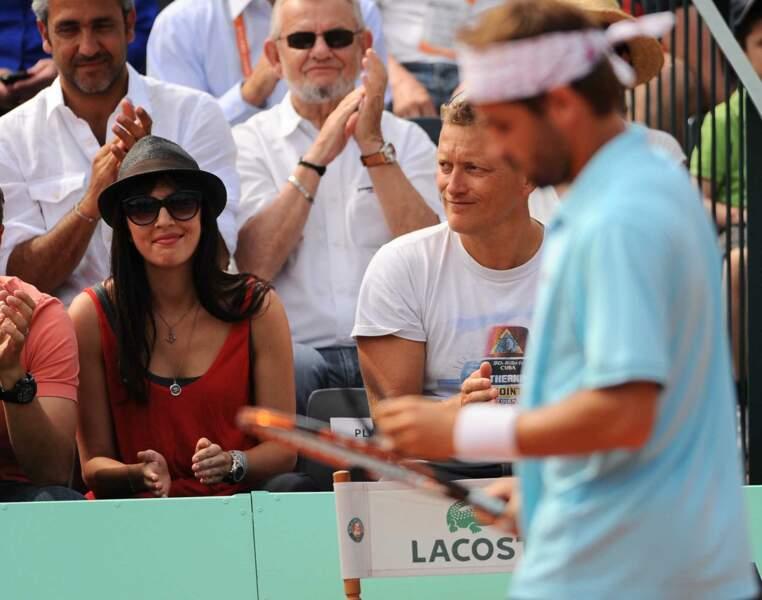 Plus décontractée à Roland-Garros pour soutenir son compagnon le joueur de tennis Arnaud Clément (2012).
