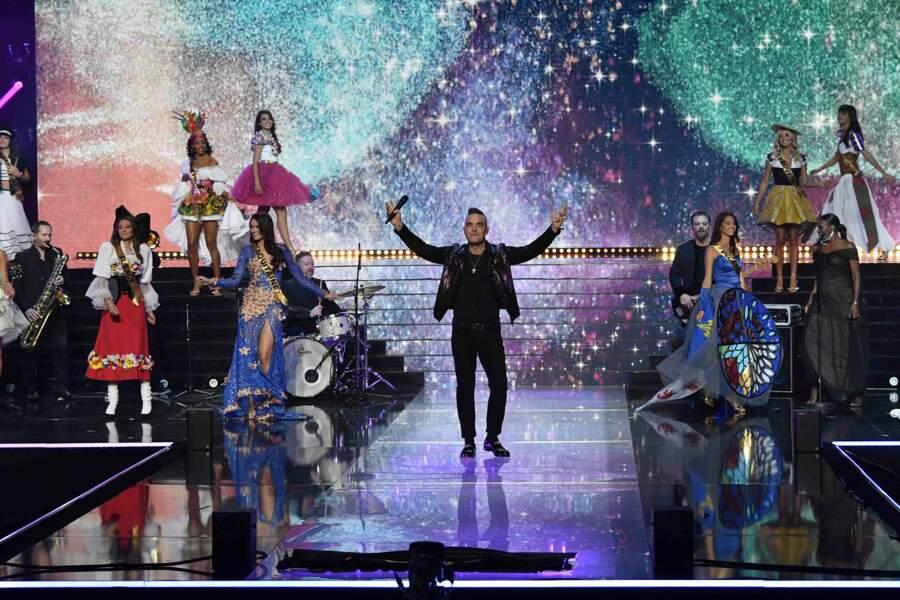 Robbie Williams a ouvert le bal avec les Miss !