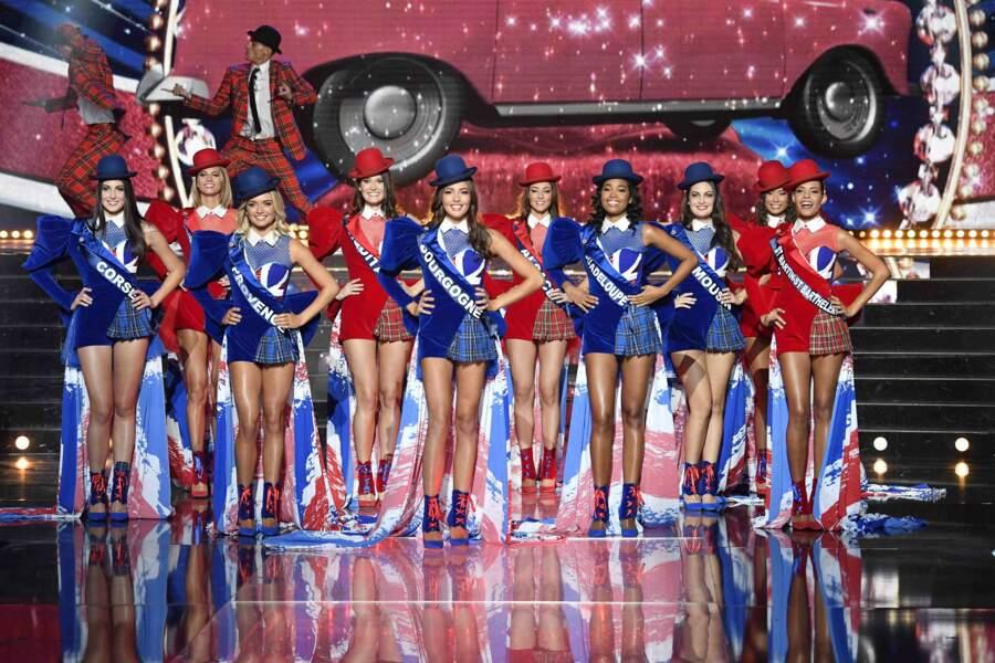 Les premières Miss ont défilé dans un tableau autour de l'Angleterre