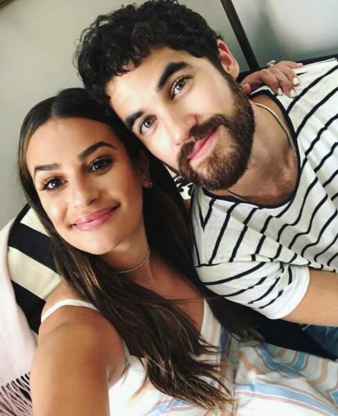 Mais celui dont elle est le plus proche, c'est Darren Criss (Blaine) ! Ils ne se quittent plus