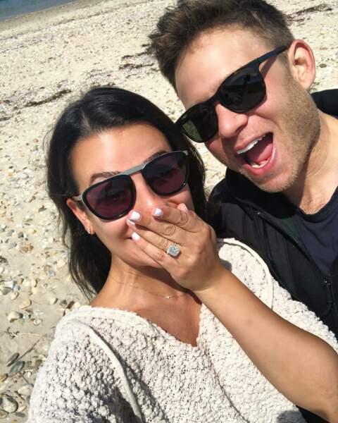 Tellement, qu'il l'a demandée en mariage en avril 2018