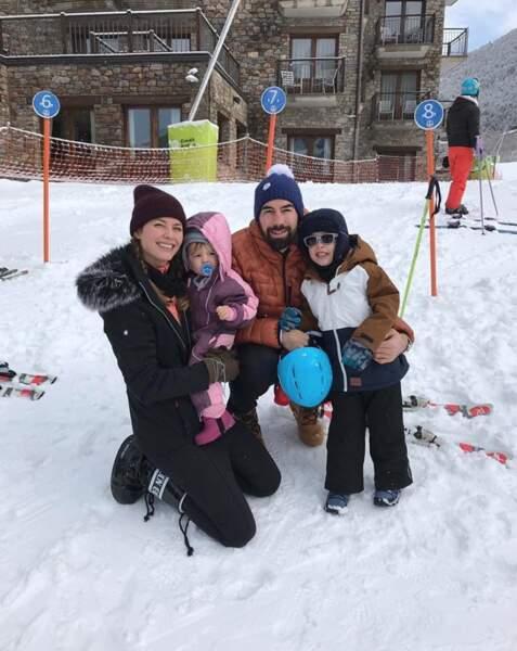 Nikola Karabatic et sa petite famille ont fait du ski à Andorre.