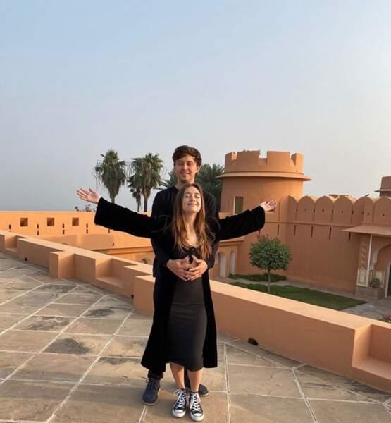 Billie Lourd et son chéri Austen étaient ont fait un remake de Titanic à Jaïpur.