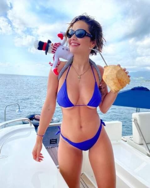 Et on termine avec du bikini : Rita Ora s'était encore trompée dans la taille.