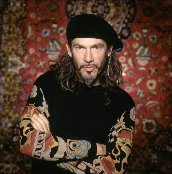 """2005, retour aux cheveux longs. Nouveau look pour Florent Pagny à l'occasion de la sortie de son album lyrique """"Baryton""""."""