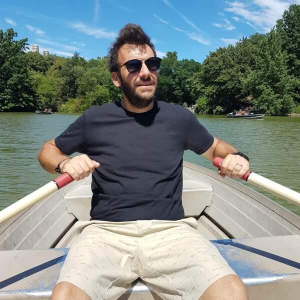 Autant le dire, il mène bien sa barque