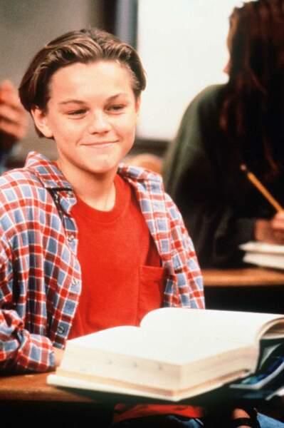"""En 1991, il se fait remarquer dans la série """"Quoi de neuf Docteur ?"""" Il a pourtant 17 ans mais interprète un garçon plus jeune, Luke, recueilli par la famille Seaver"""