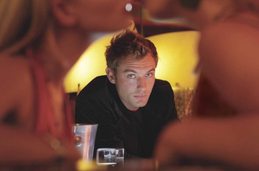 Jude Law irrésistible dans Irrésistible Alfie (2004) ?